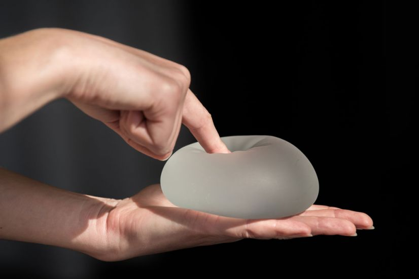 Implantes de gel cohesivo: los contras